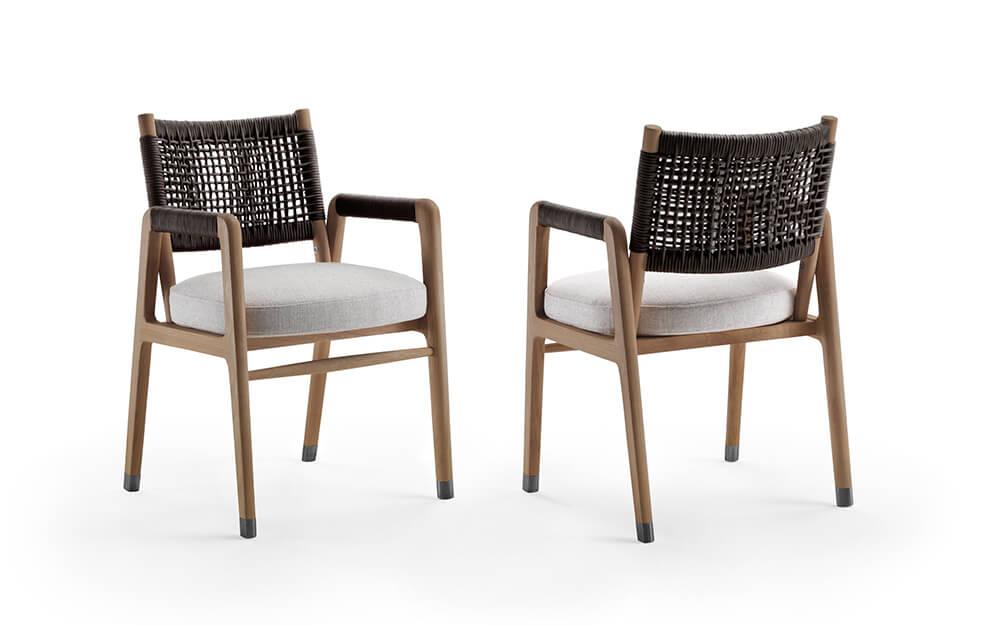 Flexform silla Ortigia para exterirores de colores crudos