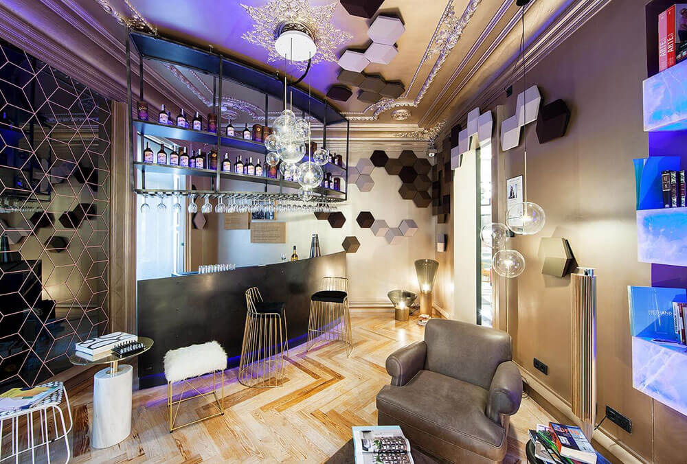 Casa decor 2018 bar shape bangolufsen Lourdes Trevino