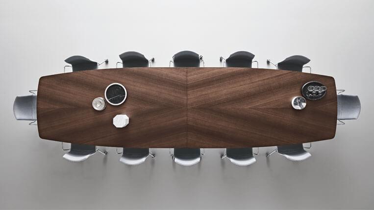 Mesa manta de Rimadesio con vidrio y madera