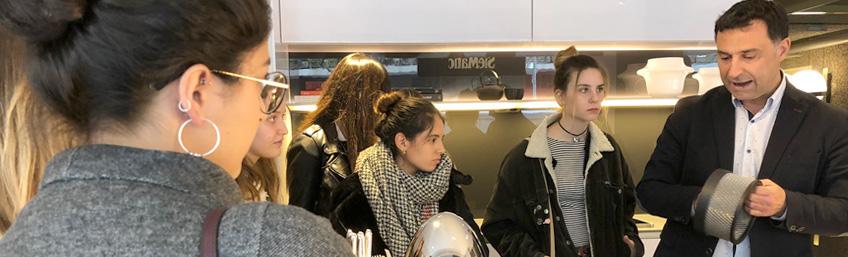 Showroom Rimadesio-SieMatic visita de alumnos de la universidad de Nebrija