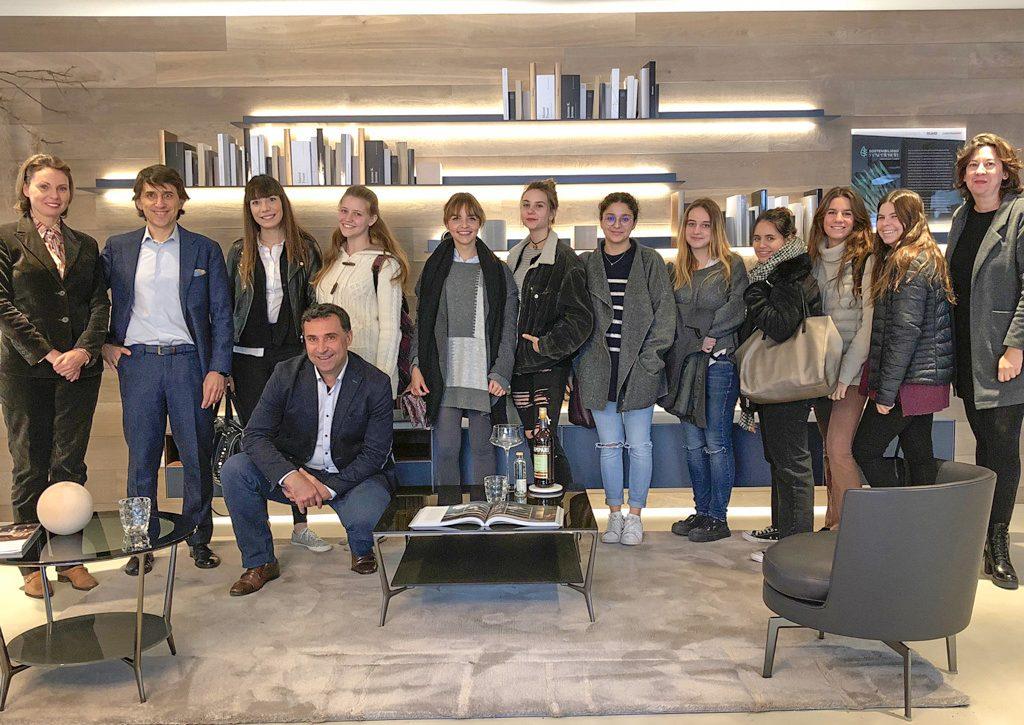 visita de alumnos de interiorismo de la universidad de Nebrija al showroom de ICONNO