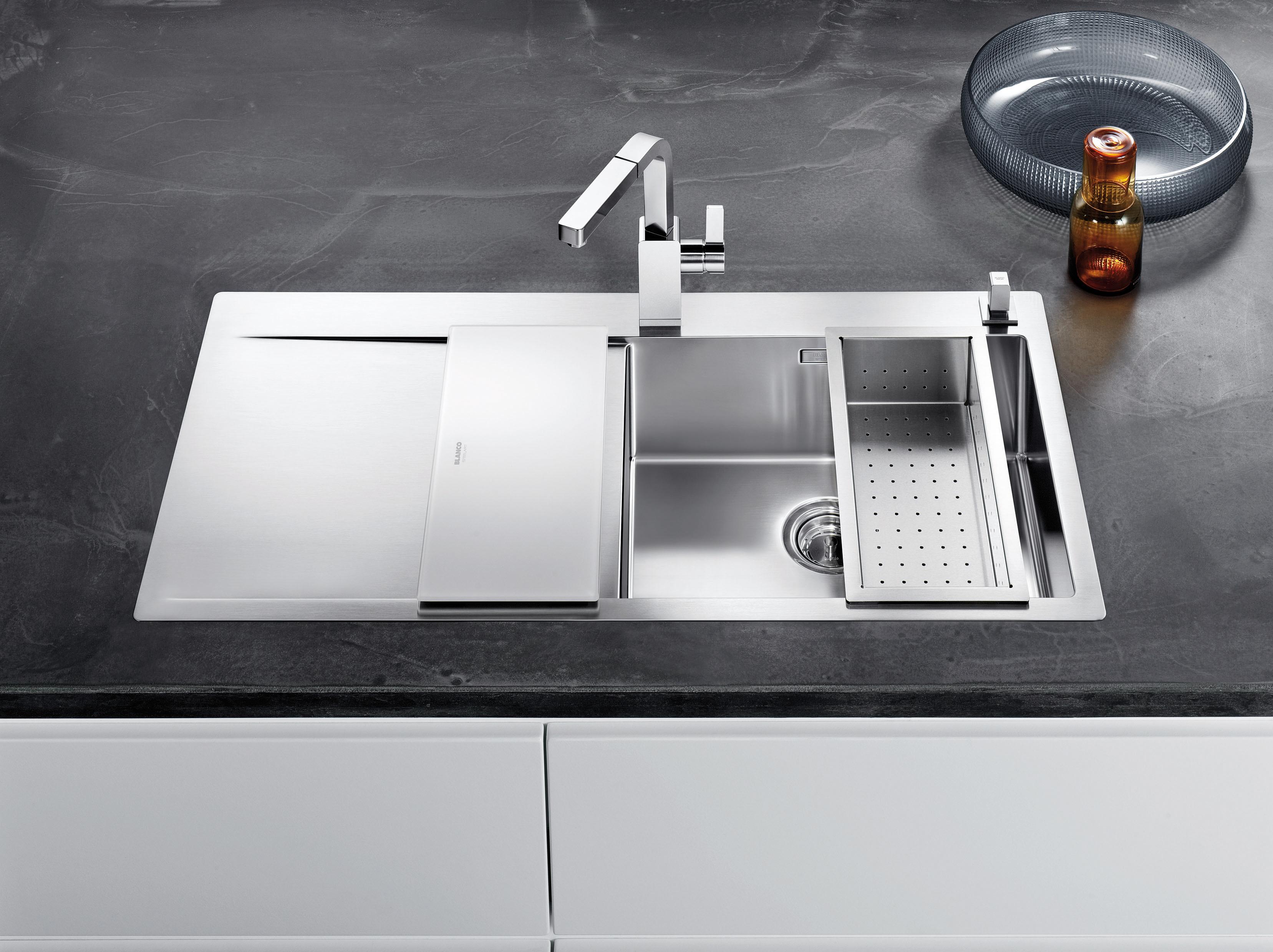 Fregaderos modernos y grifería de lujo para cocinas de diseño