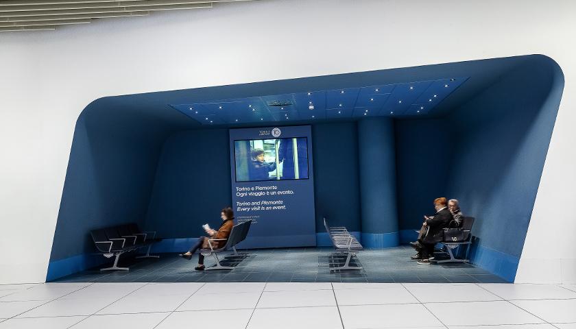 Poltrona Frau viste el aeropuerto de Turín Castello con sus butacas Aetos